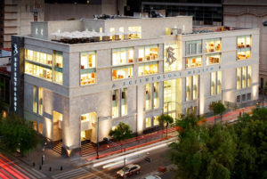 Scientologie Mexiko - exteriér budovy ideální Scientologické církve v Mexico City - Scientologie v Jižní americe