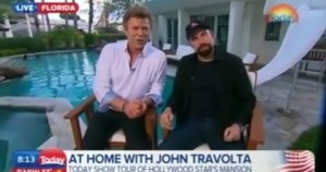 dům Johna Travolty na Floridě během televizního rozhovoru - John Travolta známý scientolog