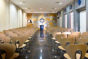 kaple v ideální organizaci Scientologické církve v Německém Berlíně