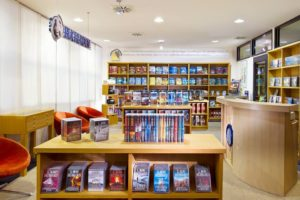 knihkupectví v ideální organizaci Scientologické církve v Německém Berlíně