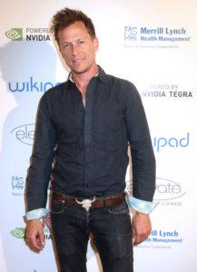 Corin Nemec - herec známý z amerických seriálů a filmů se zajímá o scientologii