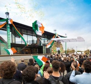 nová Scientologická církev a komunitní centrum v 6,8 akrovém areálu v srdci Jižního Dublinu v Irsku