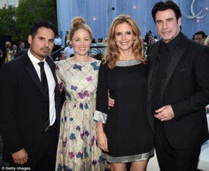 Michael Pena, Erika Christensen, Kelly Preston a John Travolta jsou členy Scientologické církve