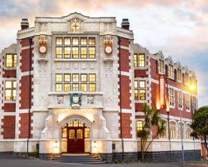 nákladně rekonstruovaná historická budova Scientologické církve na Novém Zélandu v městě Aucklad